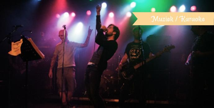 Punk rock heavy metal karaoke band / Locatie: Vera