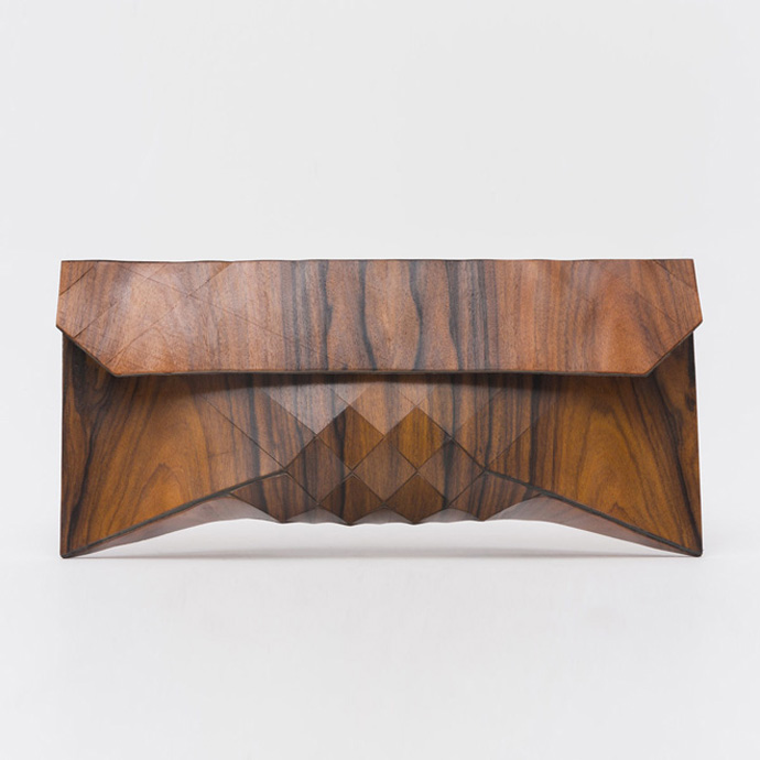 1-wooden-clutch-by-tesler-medelovitch