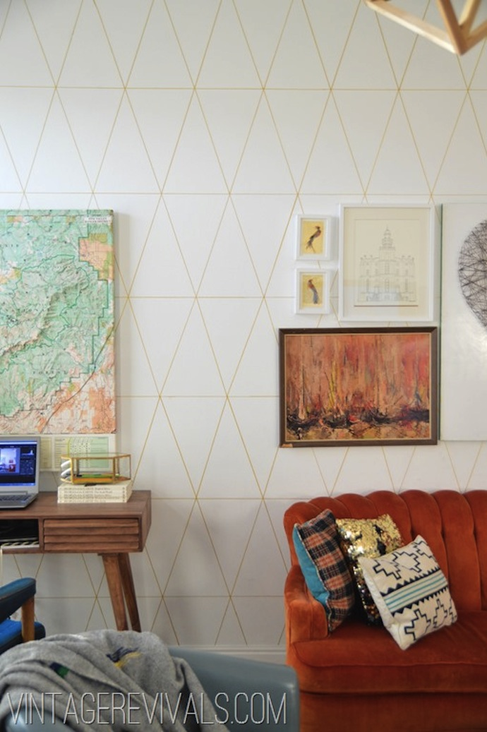 DIY Wallpaper Tutorial @ Vintage Revivals 1