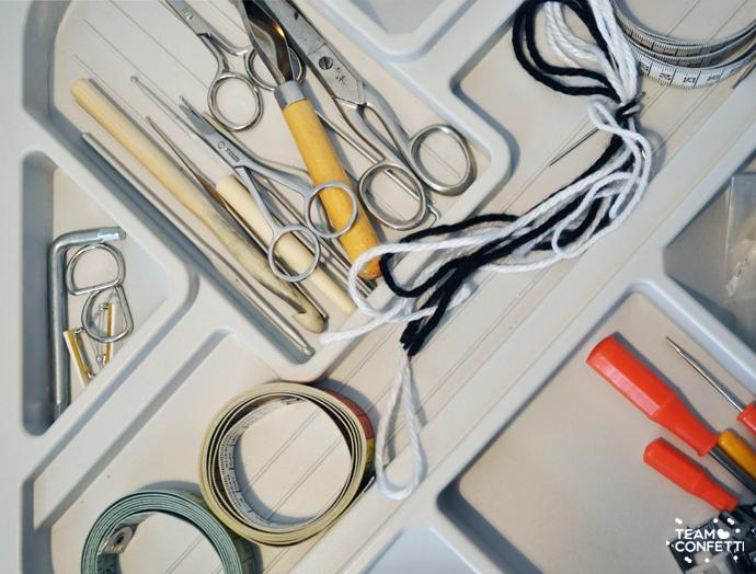 craftroom_scissors_measuring_tape