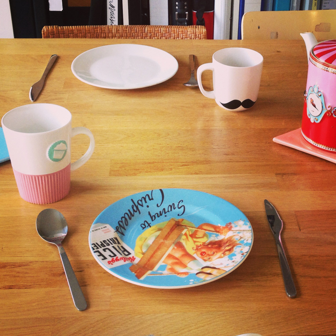mar_lunch_moustache_cup