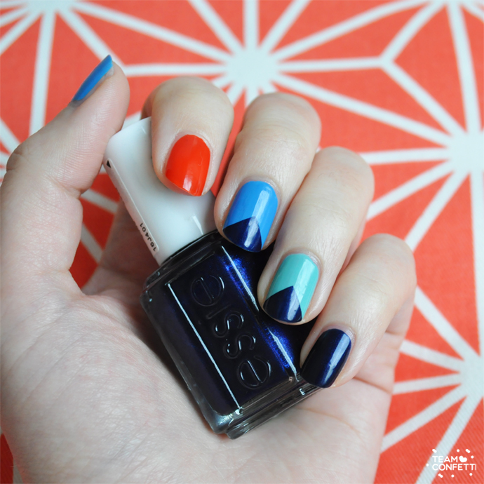 nailart_triangle_essie_midnight_cami