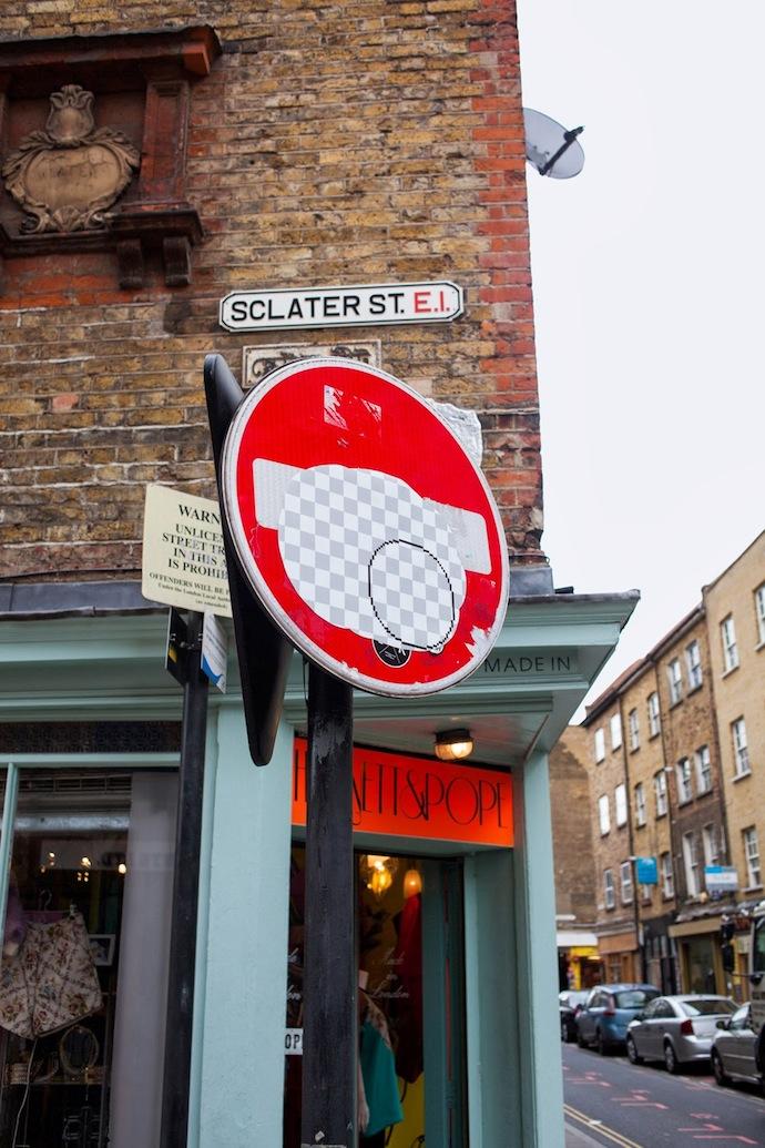 Guus Ter Beek Tayfun Sarier street eraser street sign