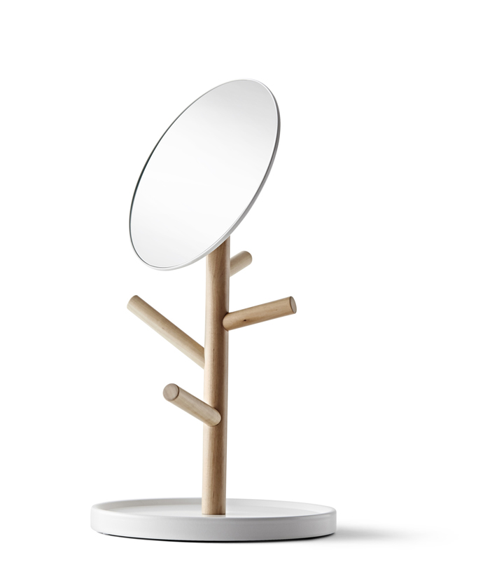 Hat and coat stand €39.95  Table mirror €19.95