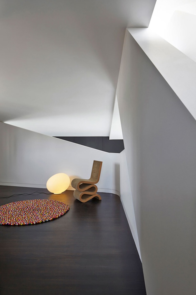 Loft-apartment-in-Melbourne-by-Adrian-Amore-7