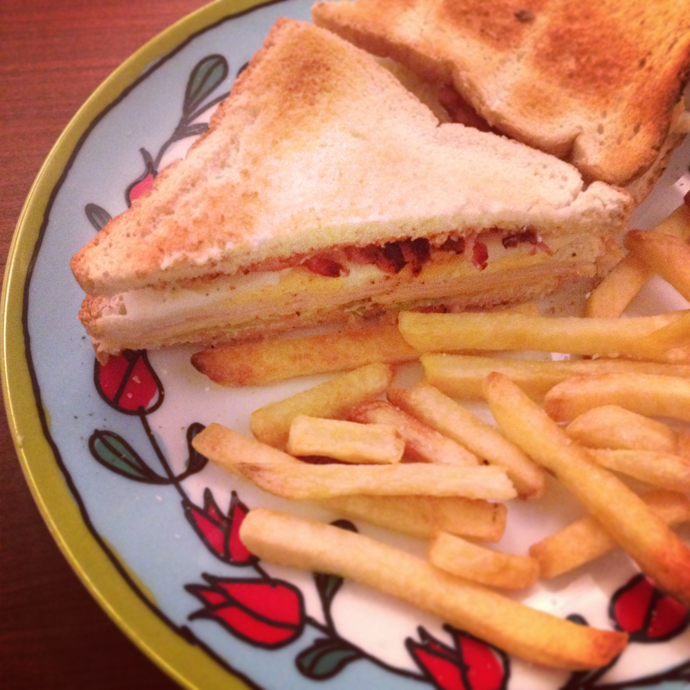 club_sandwich_frietjes_patat