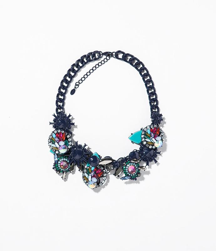 necklace-with-geometric-rhinestones