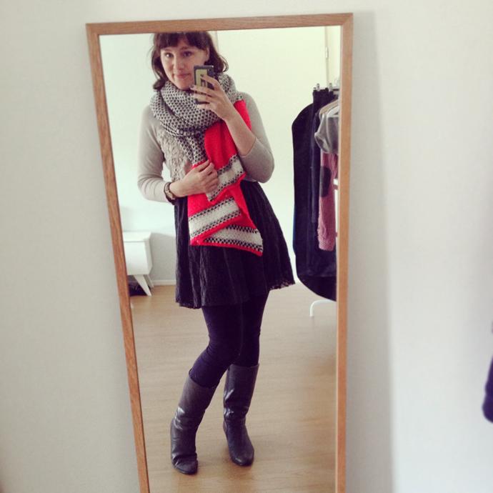 outfit sjaal roze grijs