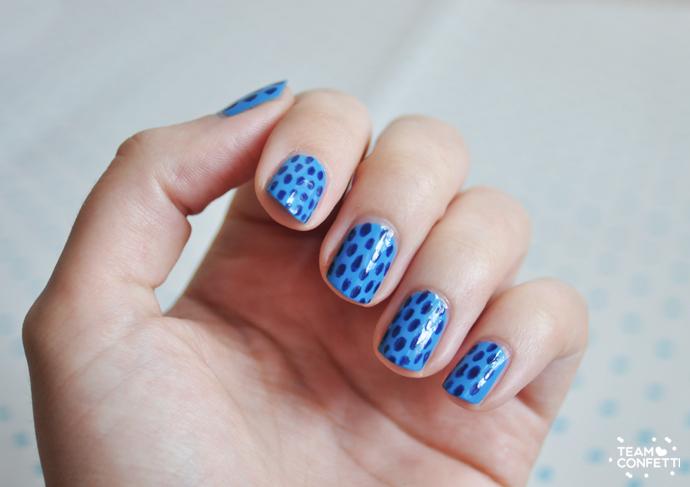 striped nailart