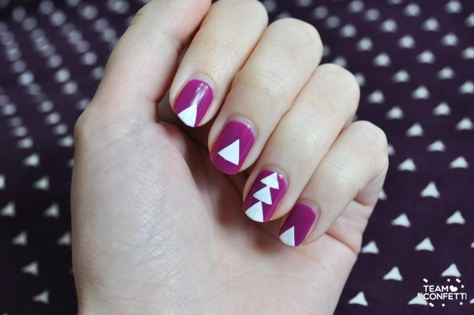 wit en paarse driehoekjes nailart nagellak
