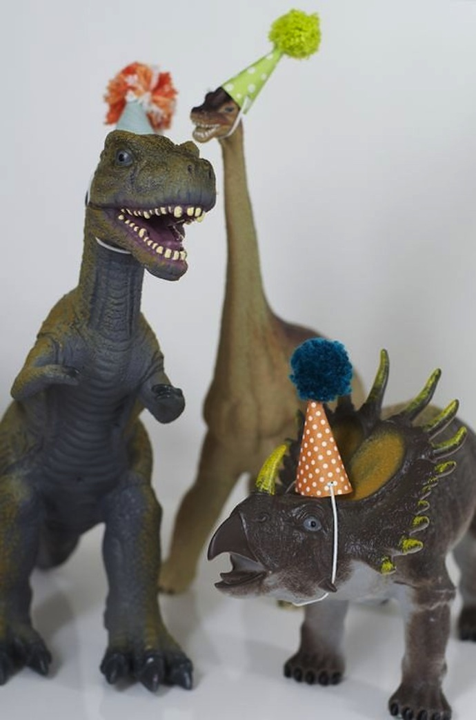 dinos_party_hat_1