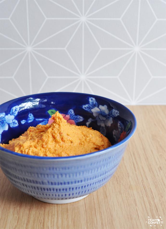 humus met gegrilde paprika
