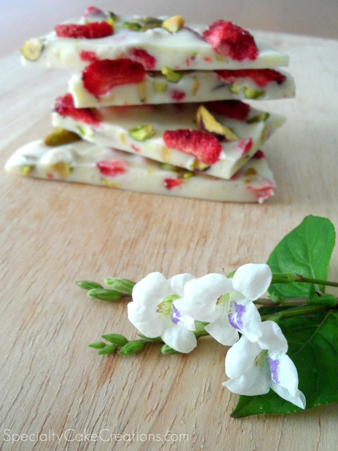 White-Chocolate-Bark-with-Strawberries-and-Pistachios