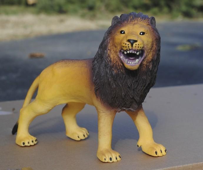 lion planter 1