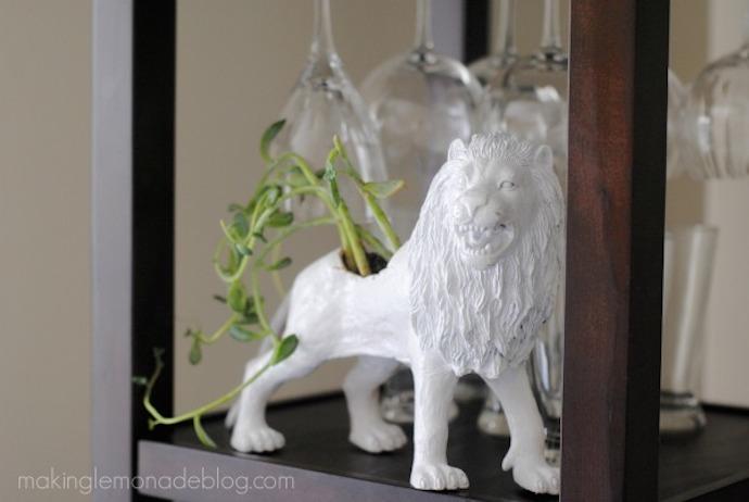 lion planter 4