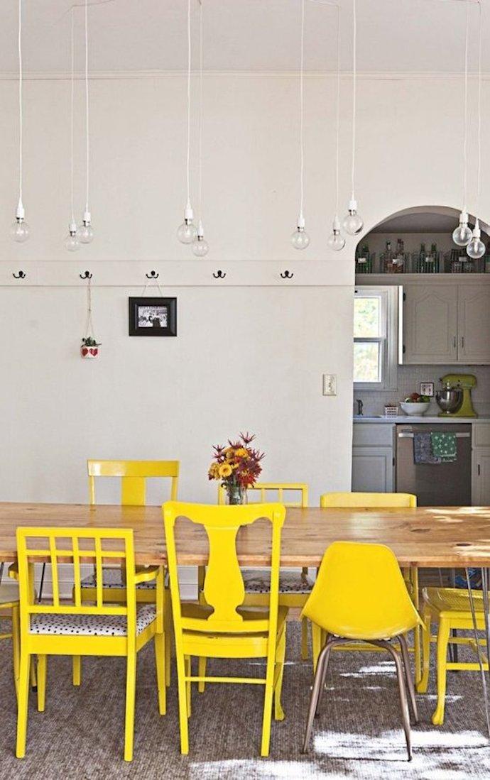 gele stoelen 2