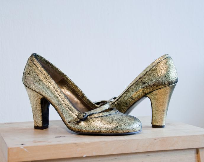 blogsale_gouden pumps 1