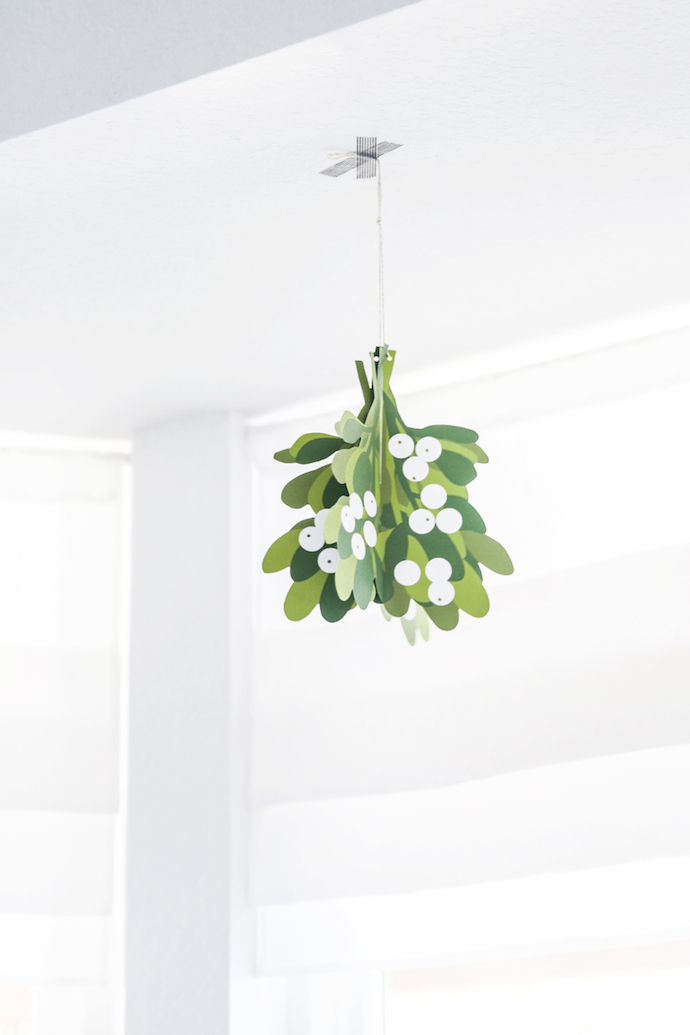 Free-Printable-Mistletoe 3