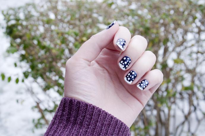 snowflake nailart 2