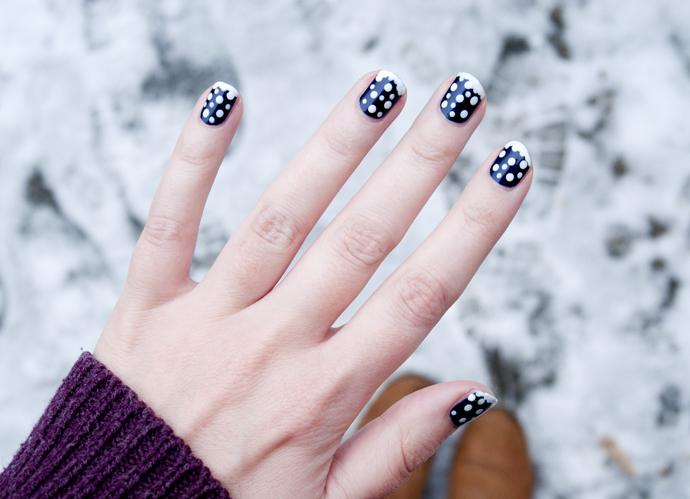 snowflake nailart 3
