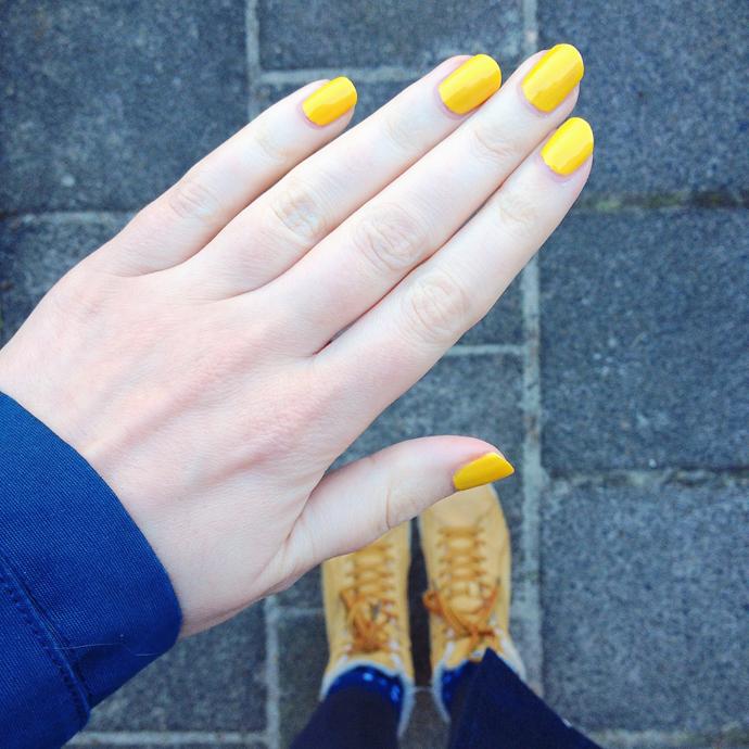 gele nagels