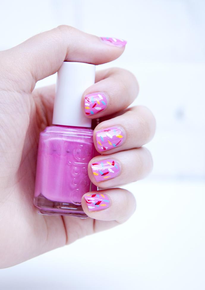 sprinkle nails pink
