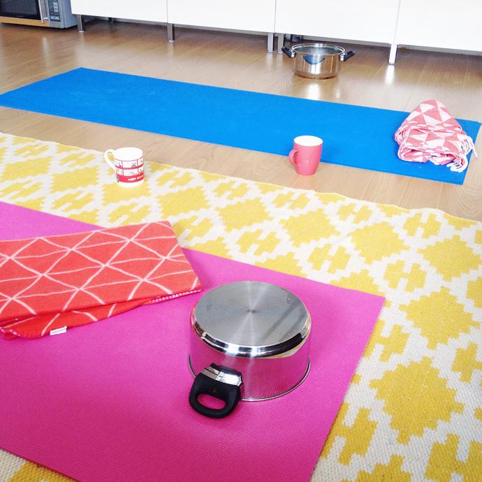 yoga met een pan